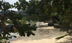 Пляж Три Транг или тихая гавань в центре острова