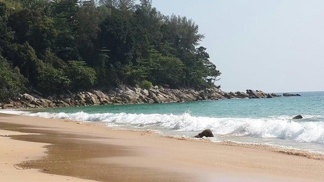 Южная окраина пляжа