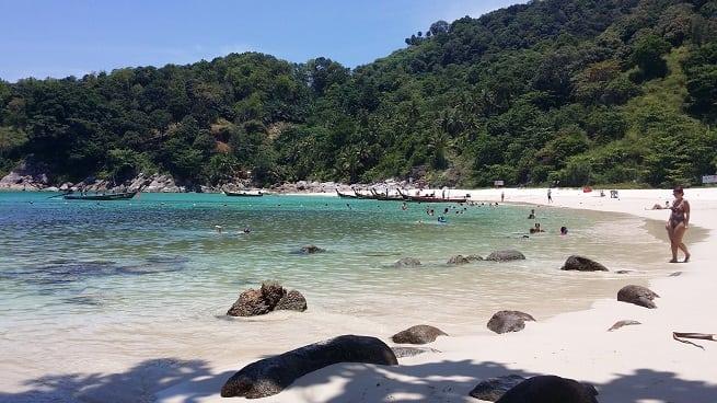 Вид пляжа со стороны