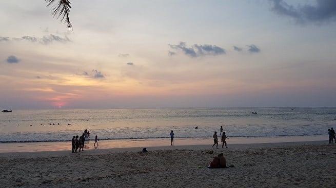 Пляж в сумерках
