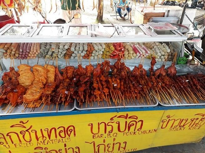 Шашлычный сезон в Таиланде круглый год