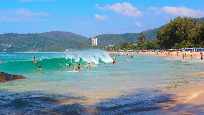 Волны бывают огромными