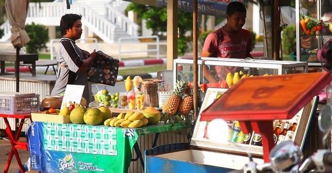 Лоток с фруктами