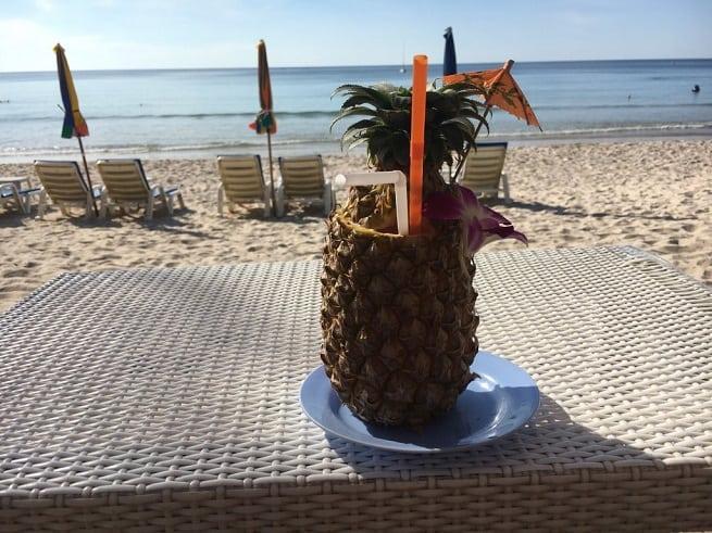 Десерт на пляже