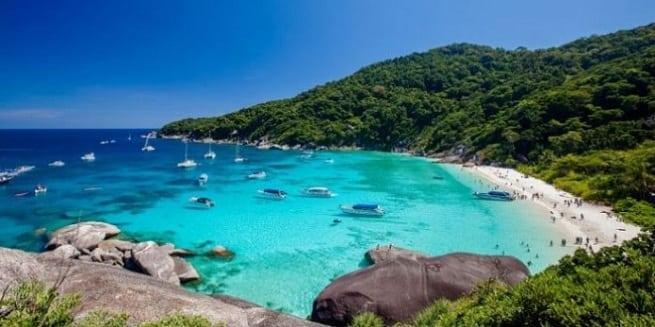 На островах пейзажи красивые