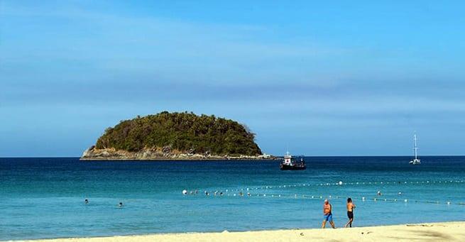 Вдалеке остров Ко Пу