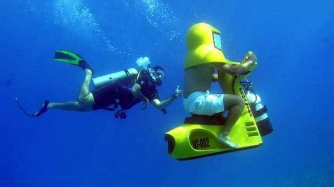 Под водой на мотоцикле