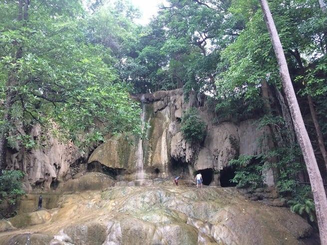 Пересохший водопад