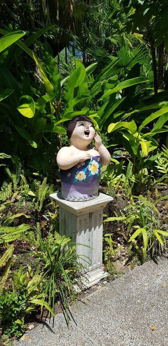 Фигурка тайской девушки