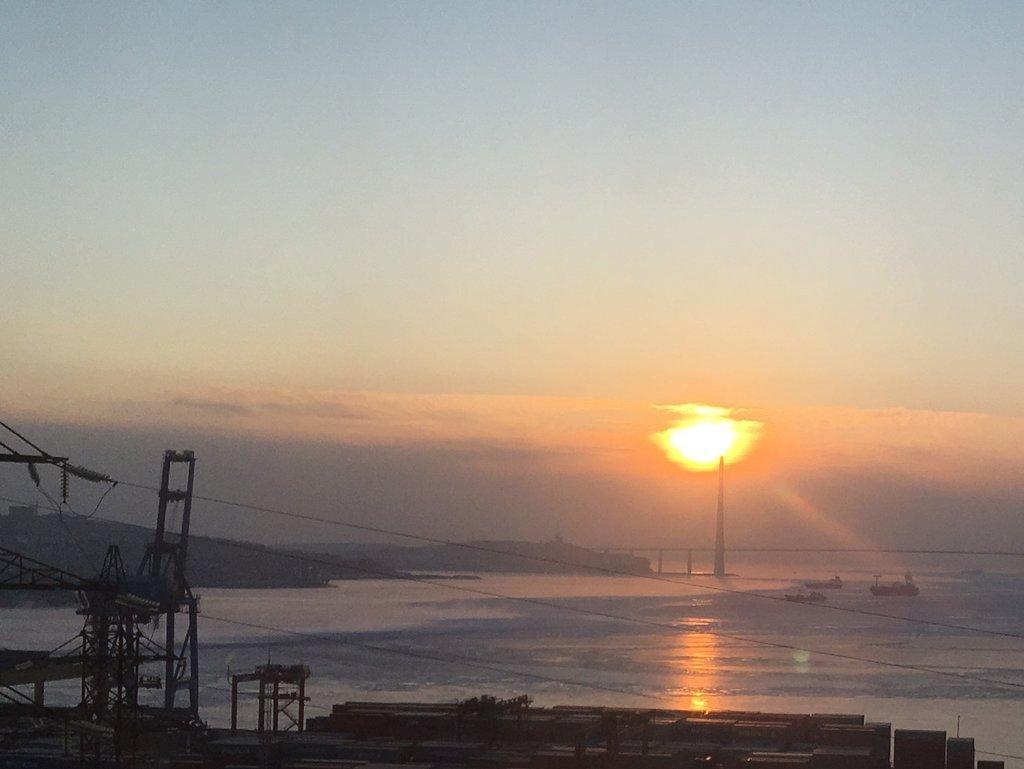 Солнце над мостом