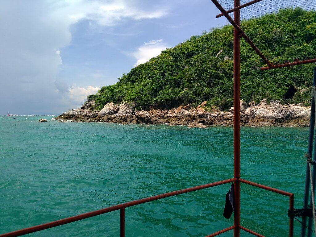 Вид на остров с моря