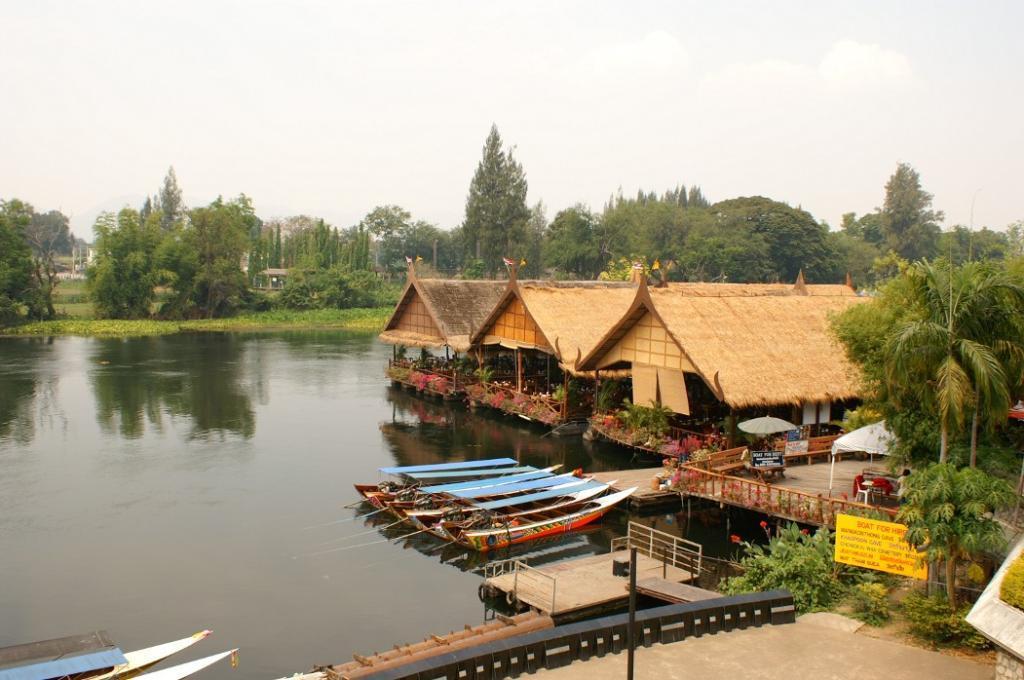 Ресторан на реке