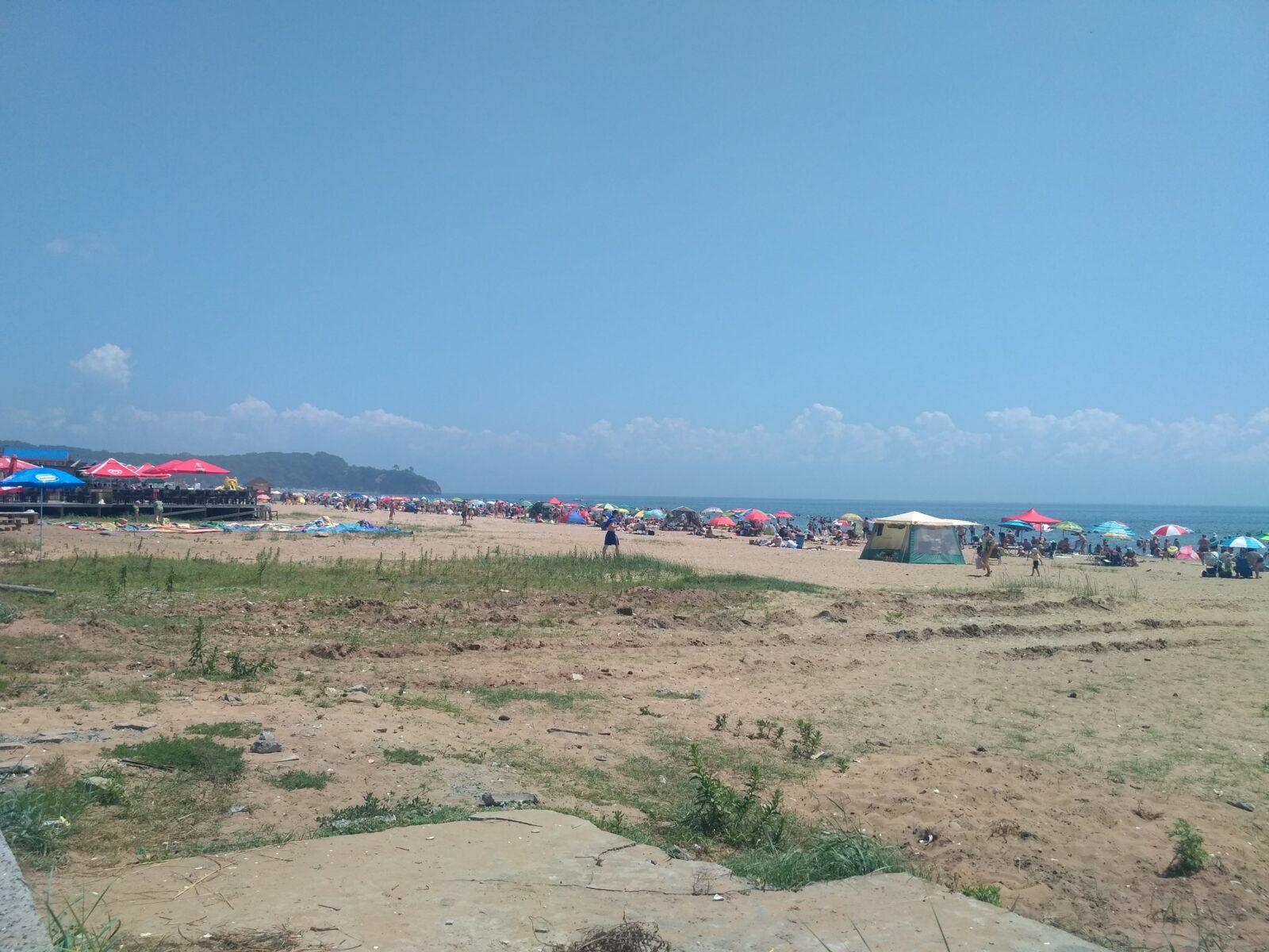 Песок и трава
