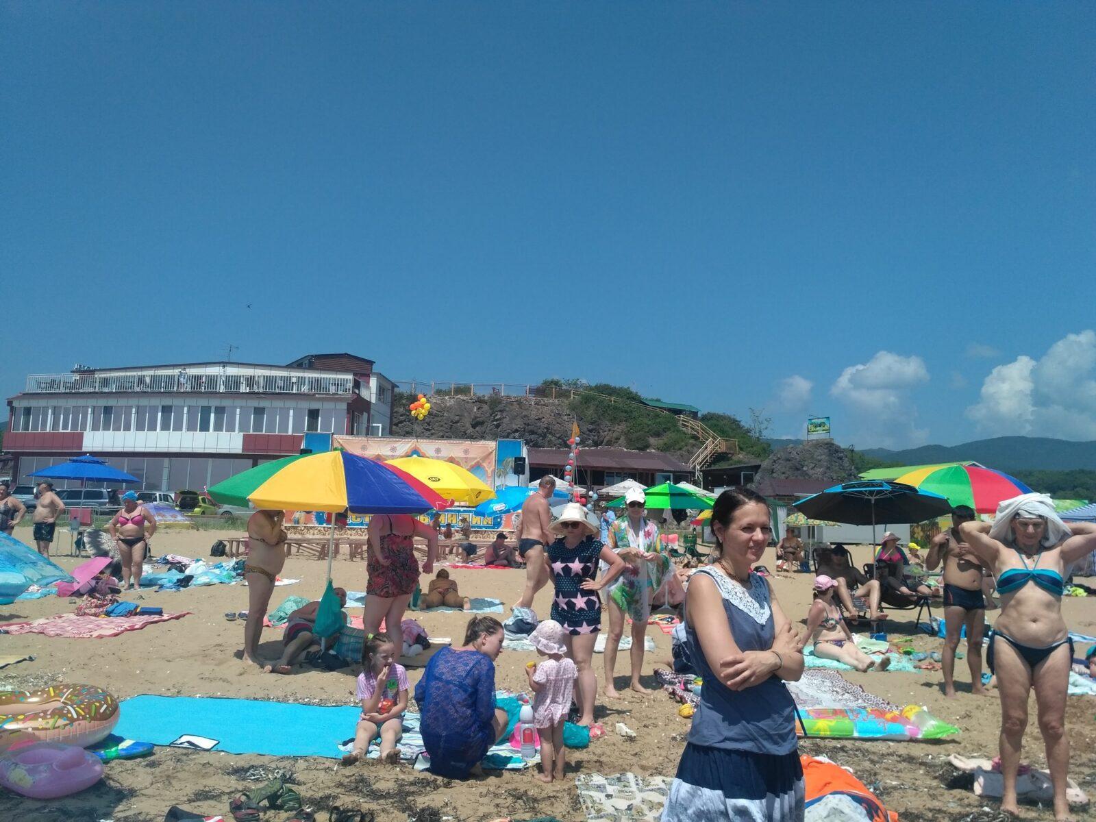 В глубине пляжа