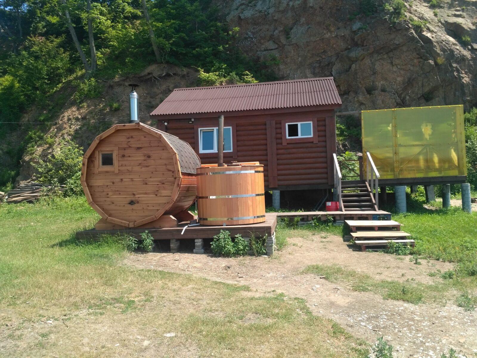 Баня и домик