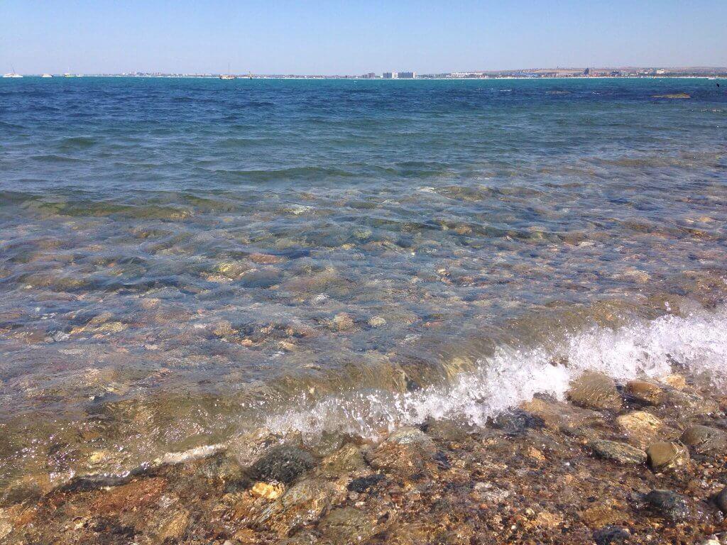 Вода намного чище чем на центральном пляже