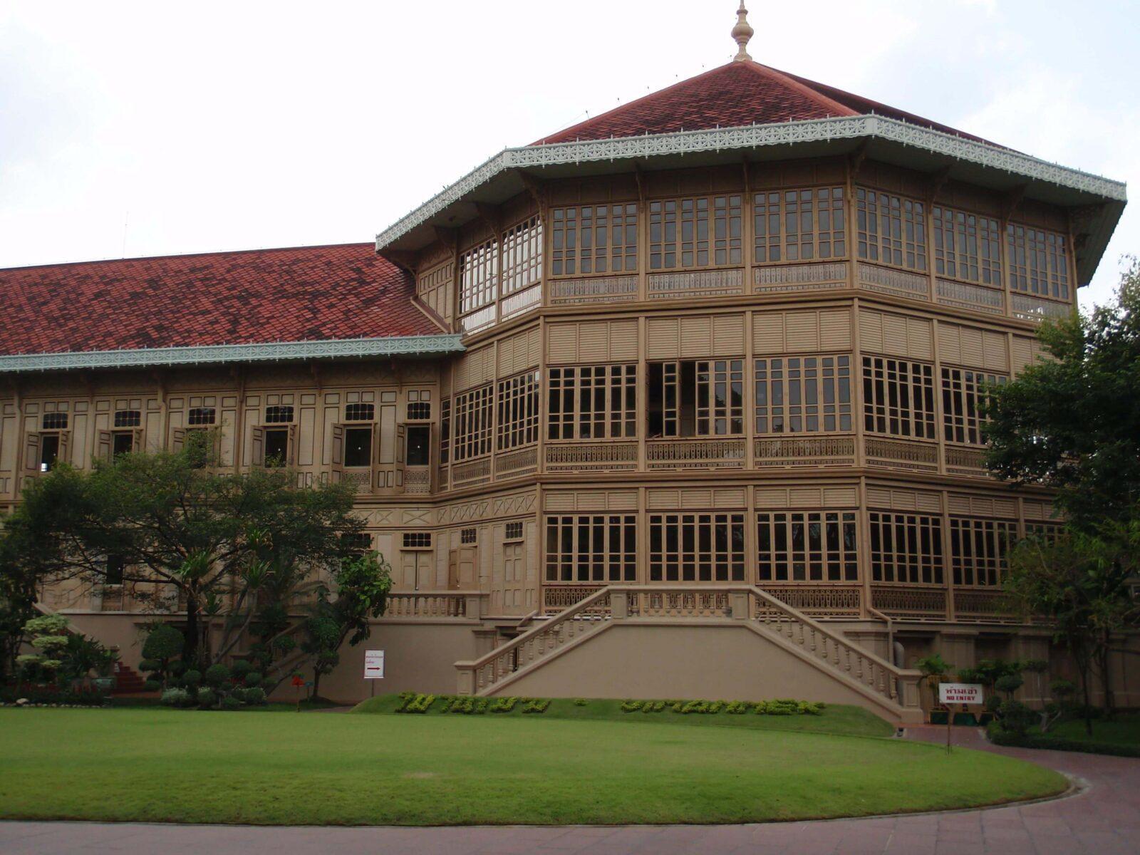 Тиковый дворец
