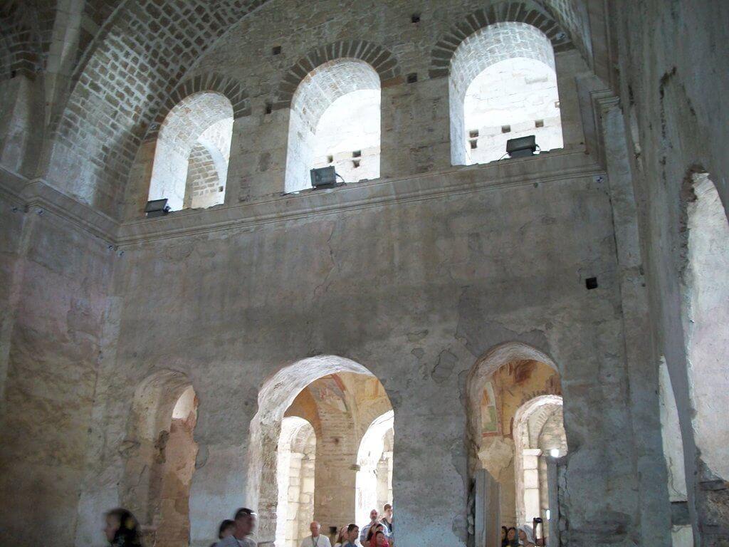 Вид церкви снизу