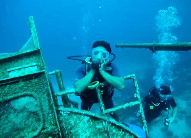 У затонувшего судна