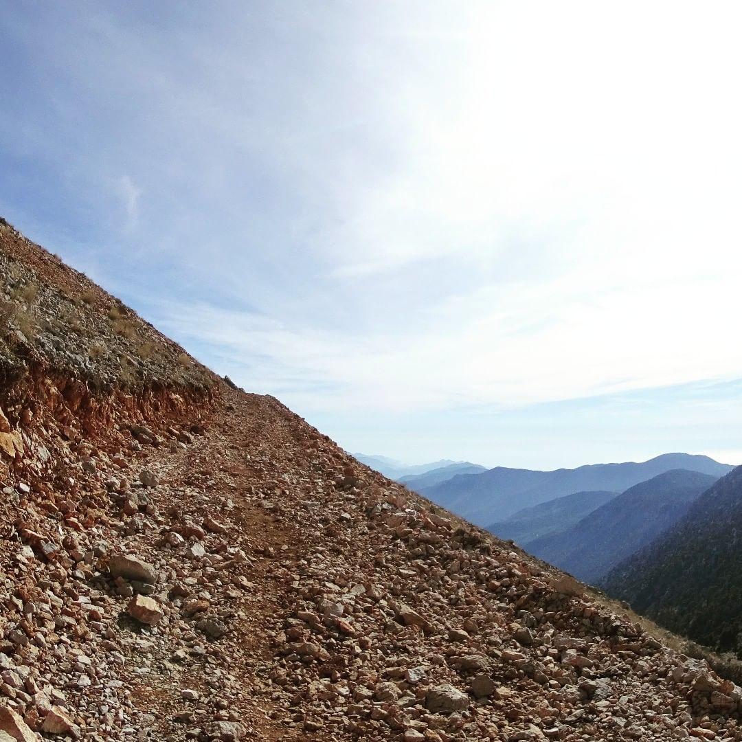 Гора сбоку