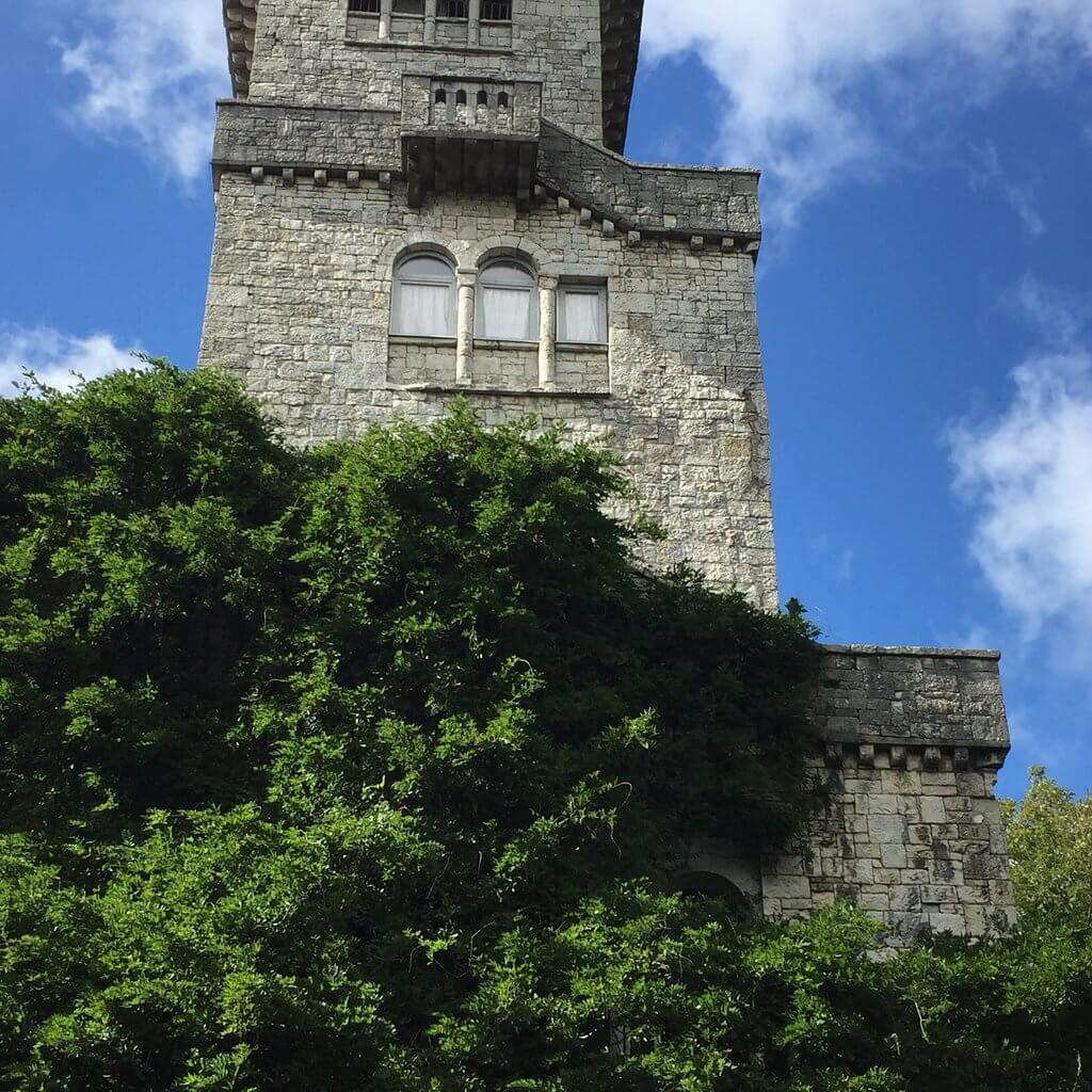 Башня снаружи