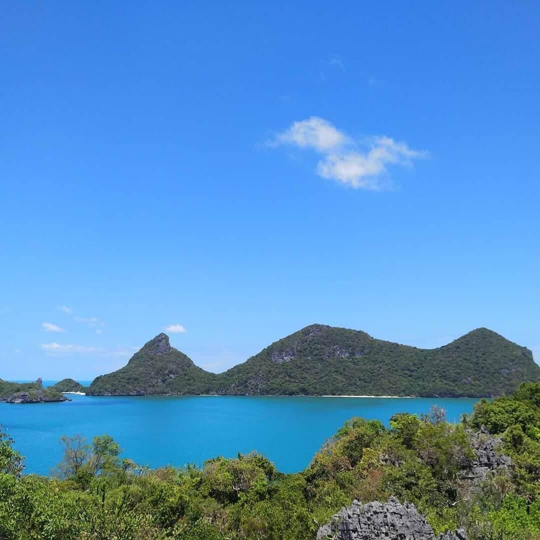 Горы на острове