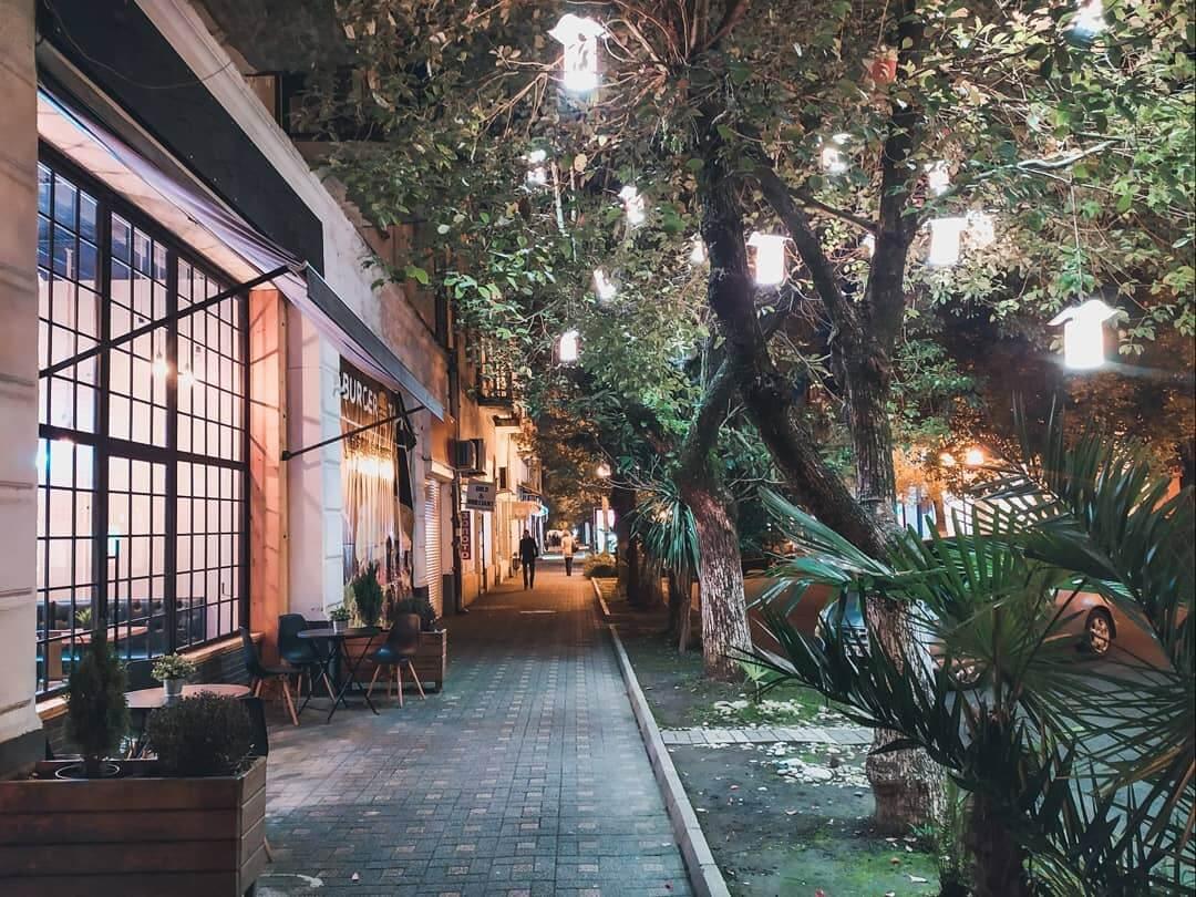 кафе вид с улици