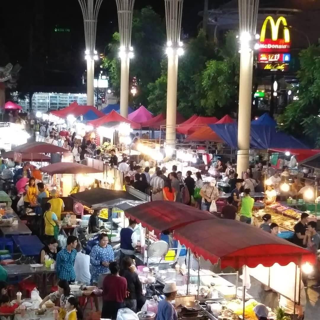 рынок около Banzaan Market