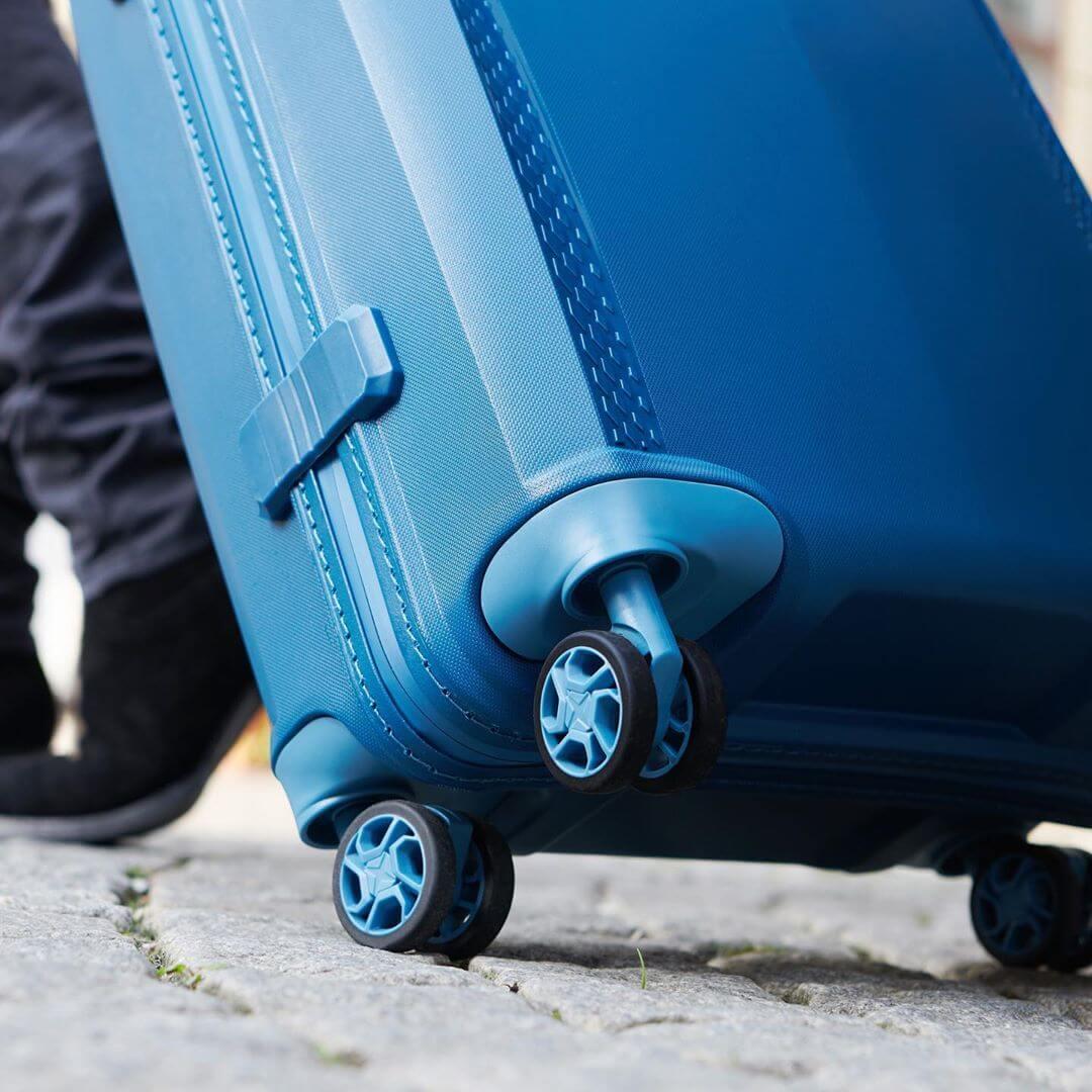 везут багаж