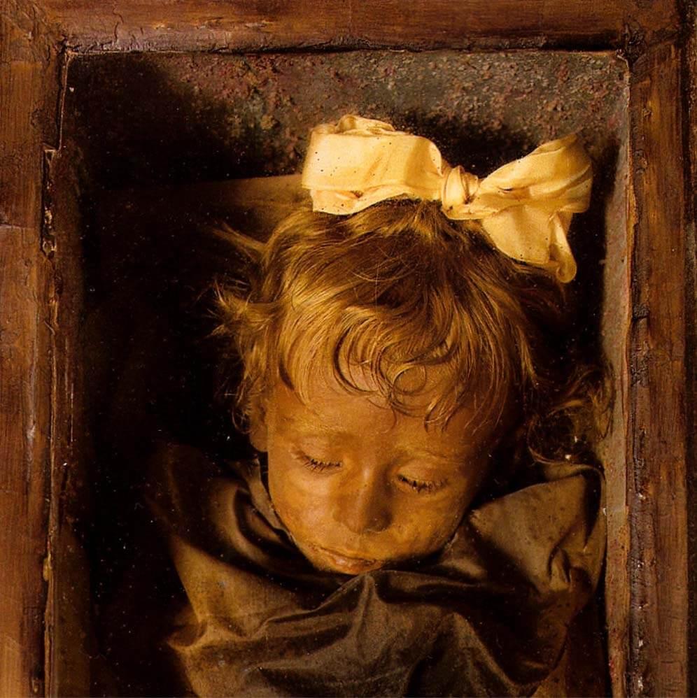 Девочка мумия