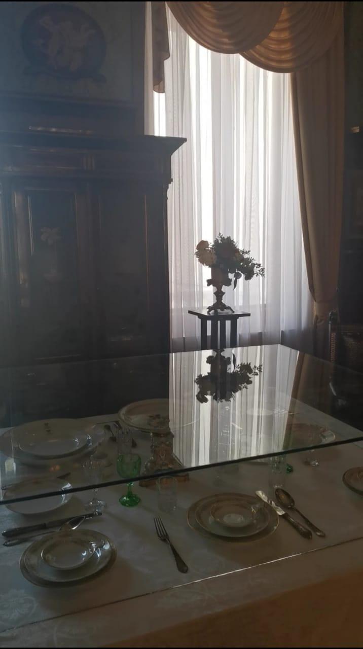 В одной из комнат