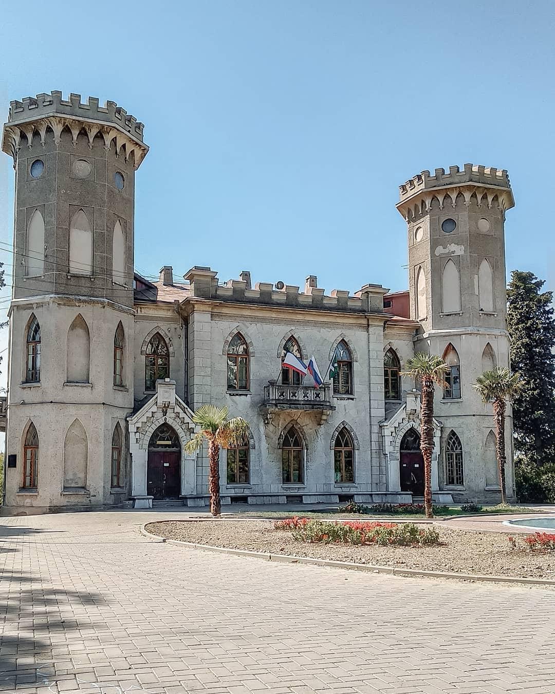 Другой ракурс дворца