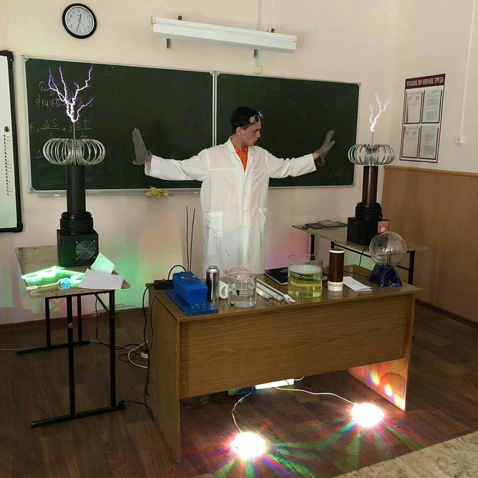 Ученый за работой