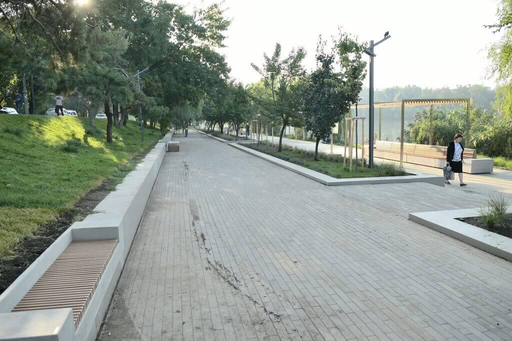 Дмитриевский сквер