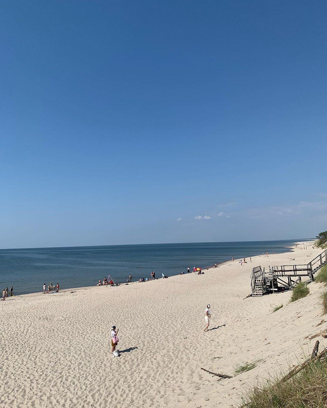Пляж около косы